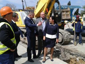 """Министър Павлова даде старт за изграждането на  водопровод в кв. """"Аспарухово"""""""